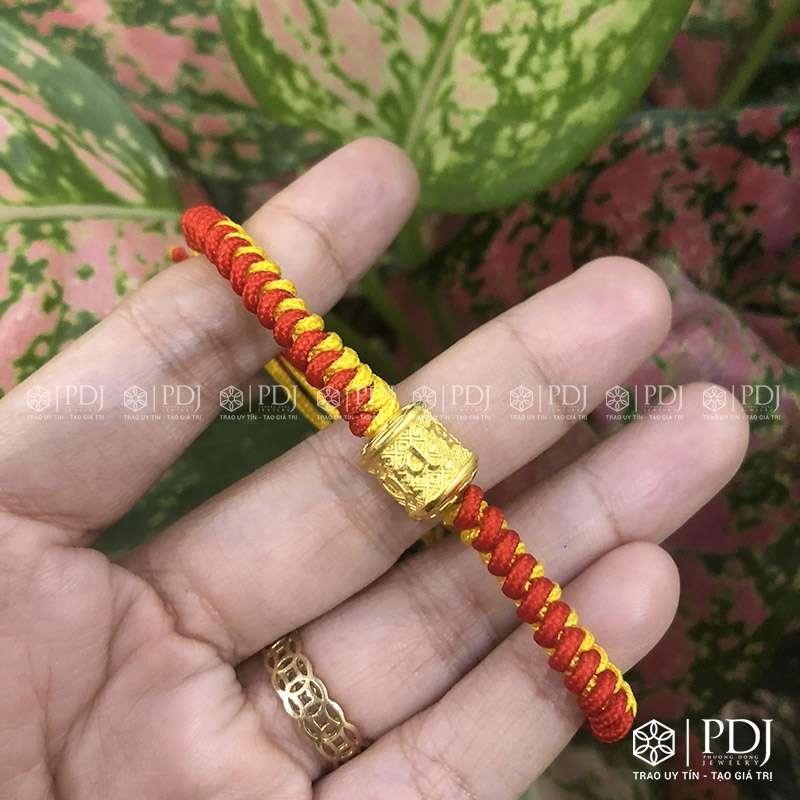 Vòng Tay Chỉ Đỏ Charm Trụ Bình An Vàng 24k PDJ