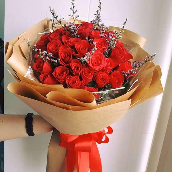 Hoa hồng là một món quà tặng phổ biến ngày 20/10